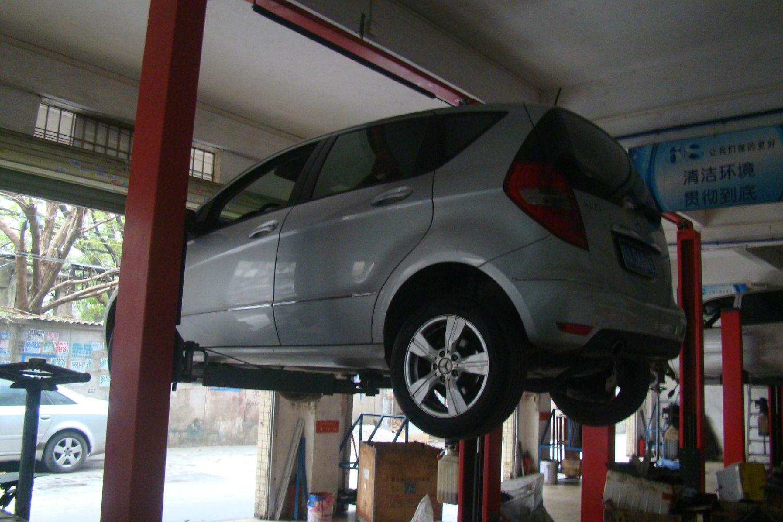 奔驰A160轿车无级变速器仪表显示变速器故障灯点亮故障